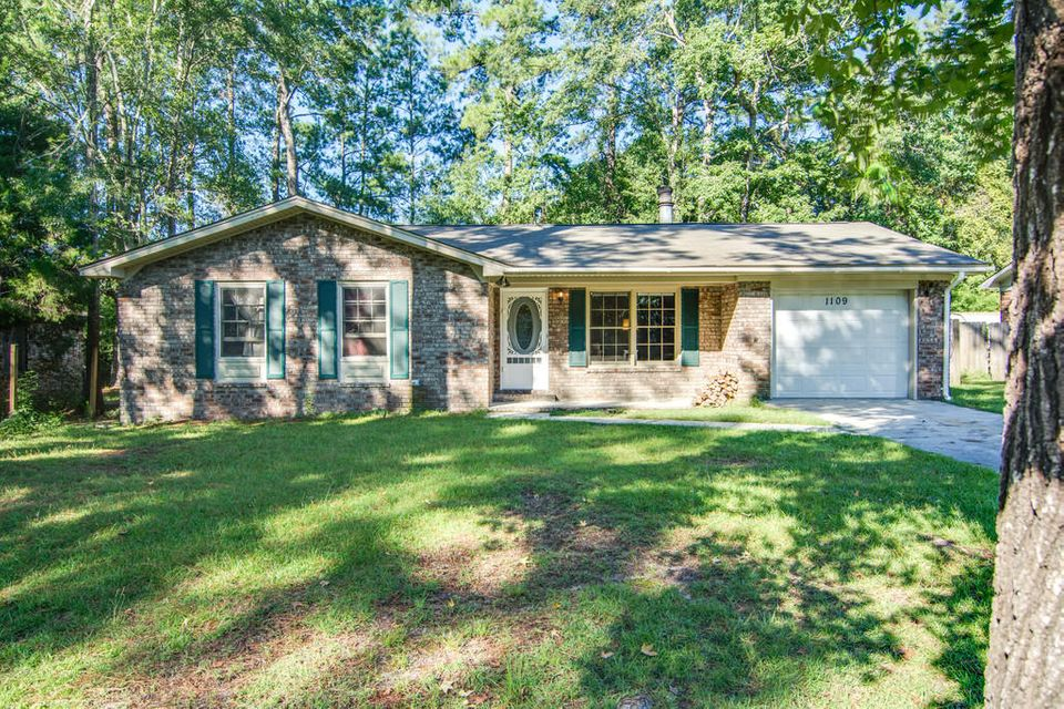 1109  Maryland Drive Ladson, SC 29456