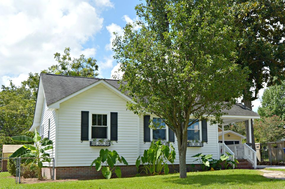 1407  Wando North Charleston, SC 29405