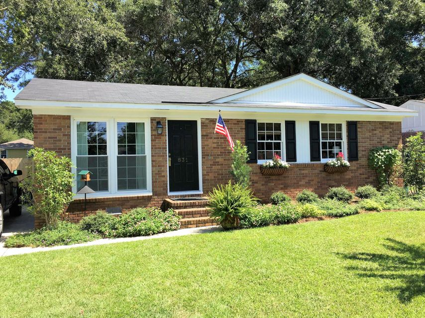 831  Armsway Street Mount Pleasant, SC 29464