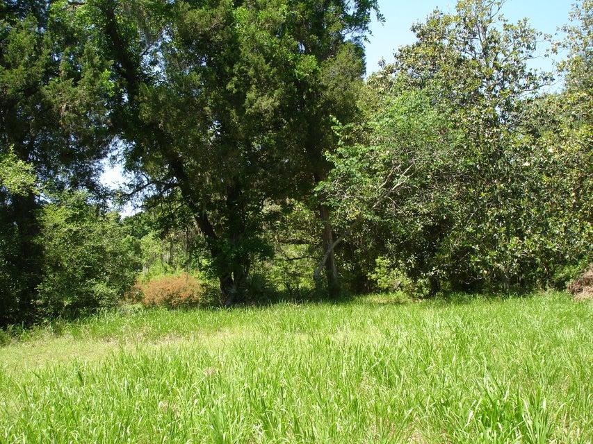 1  Mateeba Gardens Rd. Summerville, SC 29483