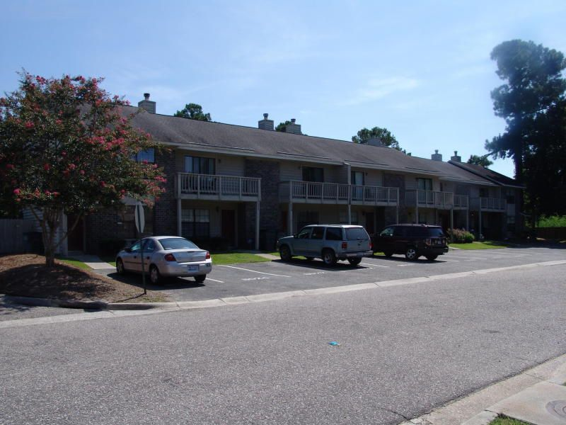 8016  Thelen Street North Charleston, SC 29406