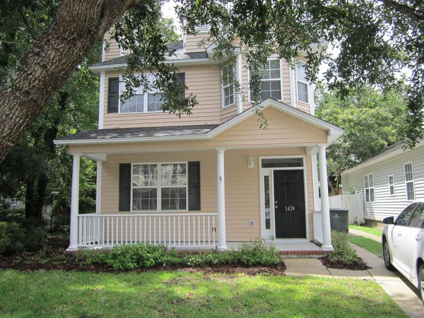 1439  Swamp Fox Lane Charleston, SC 29412