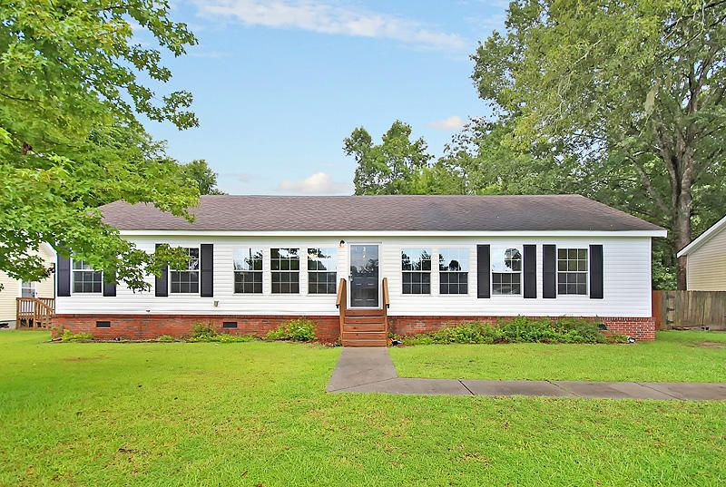 204  Lindy Creek Road Goose Creek, SC 29445
