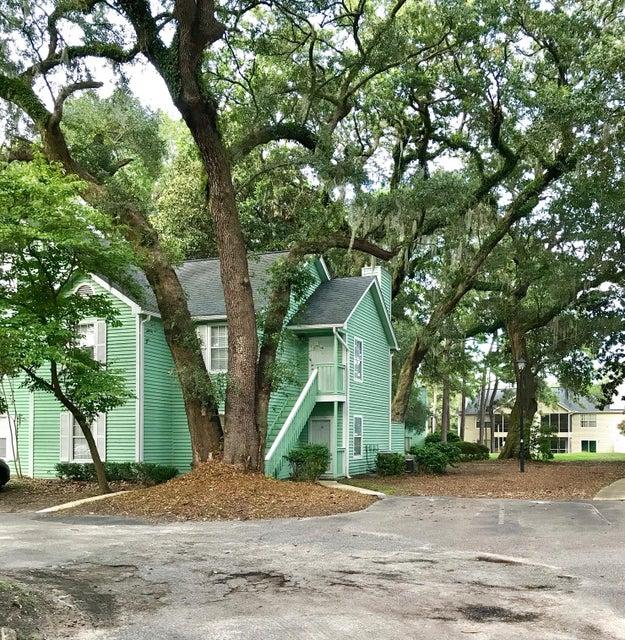 6240  April Pine Circle North Charleston, SC 29406