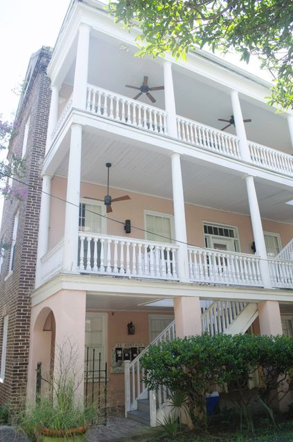 25  Montagu Street Charleston, SC 29401