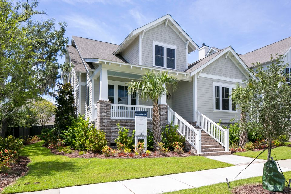 152  River Green Place Daniel Island, SC 29492