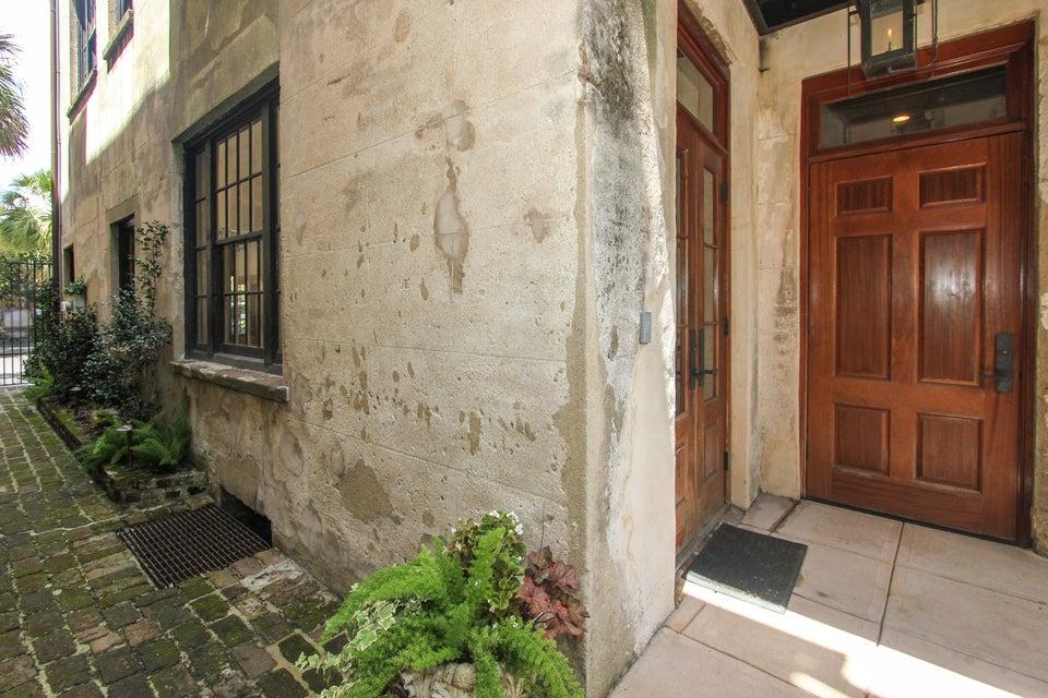 12  State Street Charleston, SC 29401