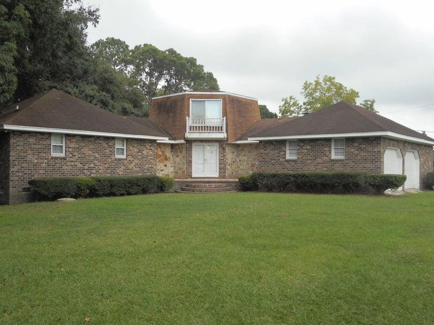 1710  Folly Road Charleston, SC 29412