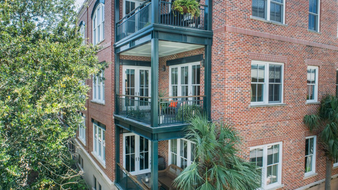 32  Prioleau Street Charleston, SC 29401