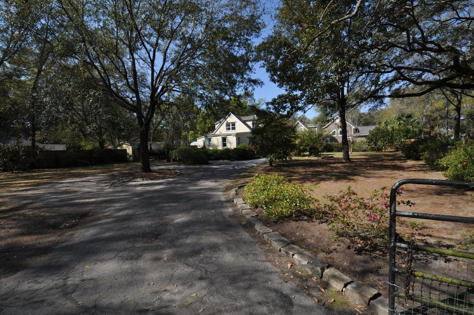 2189  Wappoo Hall Road Charleston, SC 29412