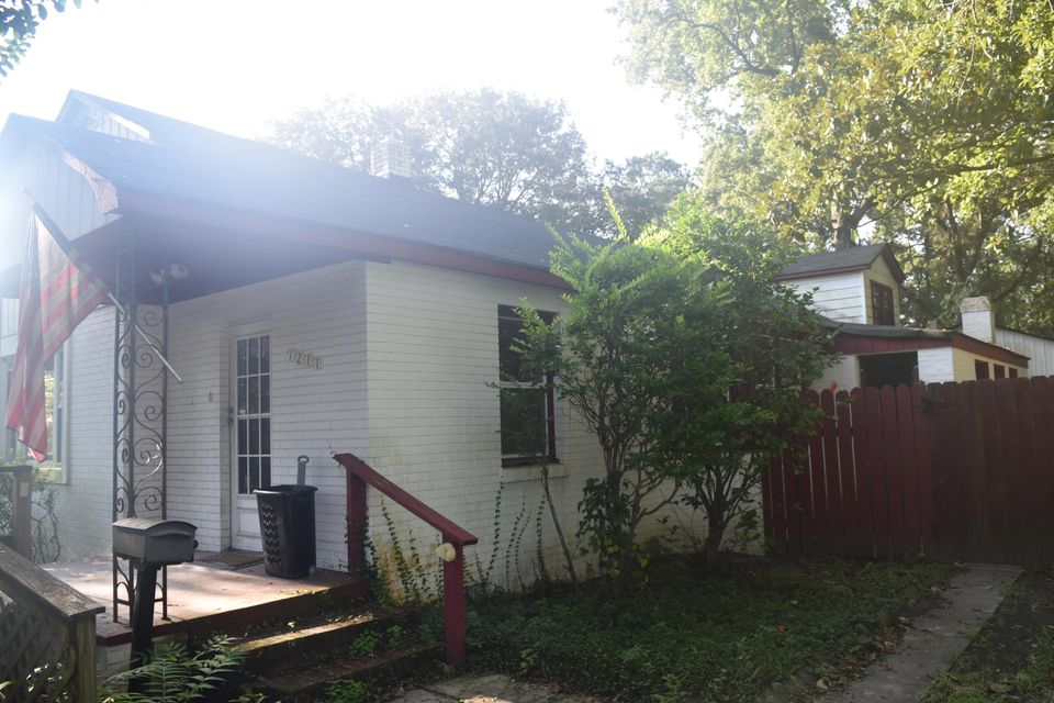 1211  Chesterfield Road North Charleston, SC 29405