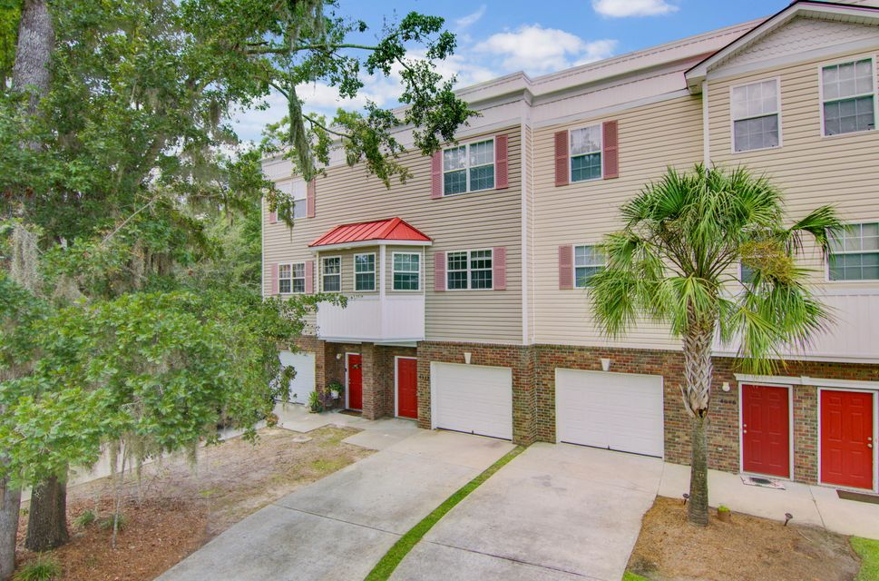 4648 N Palm View Circle North Charleston, SC 29418