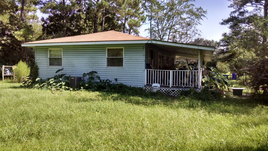 3692  Mary Ann Point Road Johns Island, SC 29455