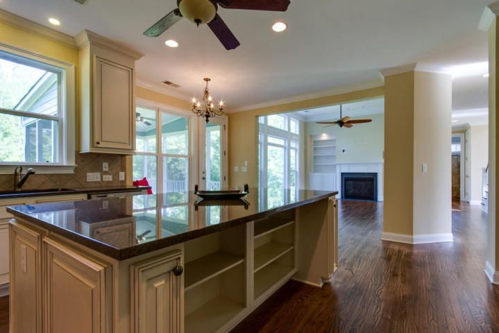2984  Riverwood Mount Pleasant, SC 29466