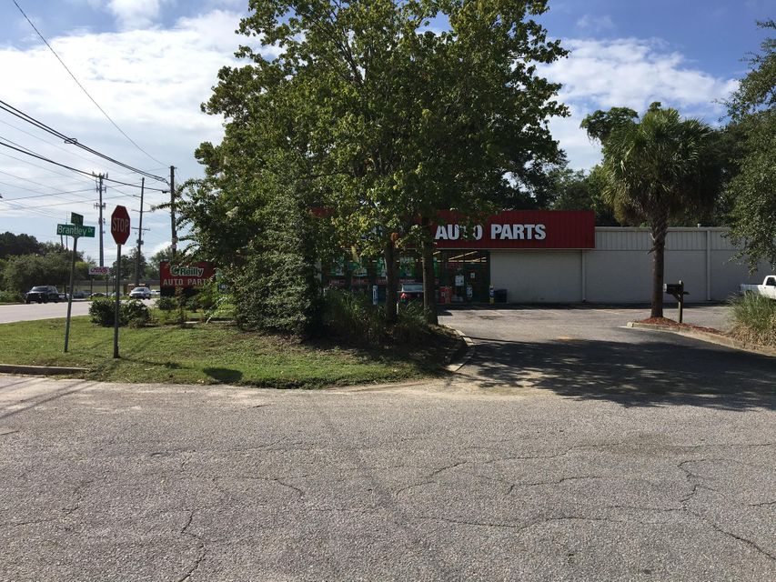 1708  Brantley Drive Charleston, SC 29412