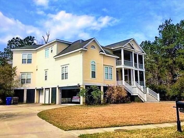 3711  St Ellens Mount Pleasant, SC 29466