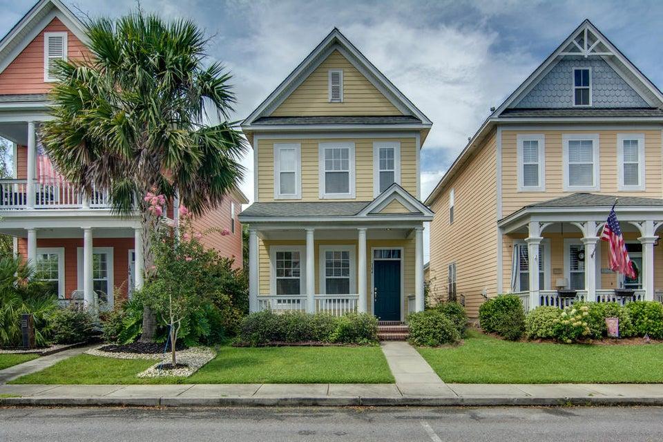 104  Hyacinth Summerville, SC 29483