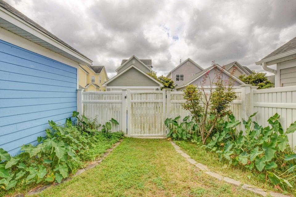 White Gables Homes For Sale - 105 Trillium, Summerville, SC - 11