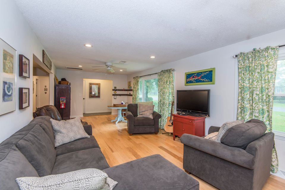 6028  Meadowcliff Avenue Hanahan, SC 29410