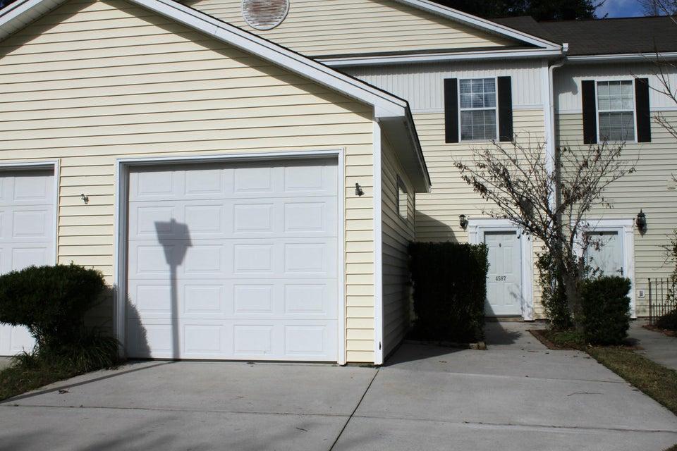 4587  Great Oak Drive North Charleston, SC 29418