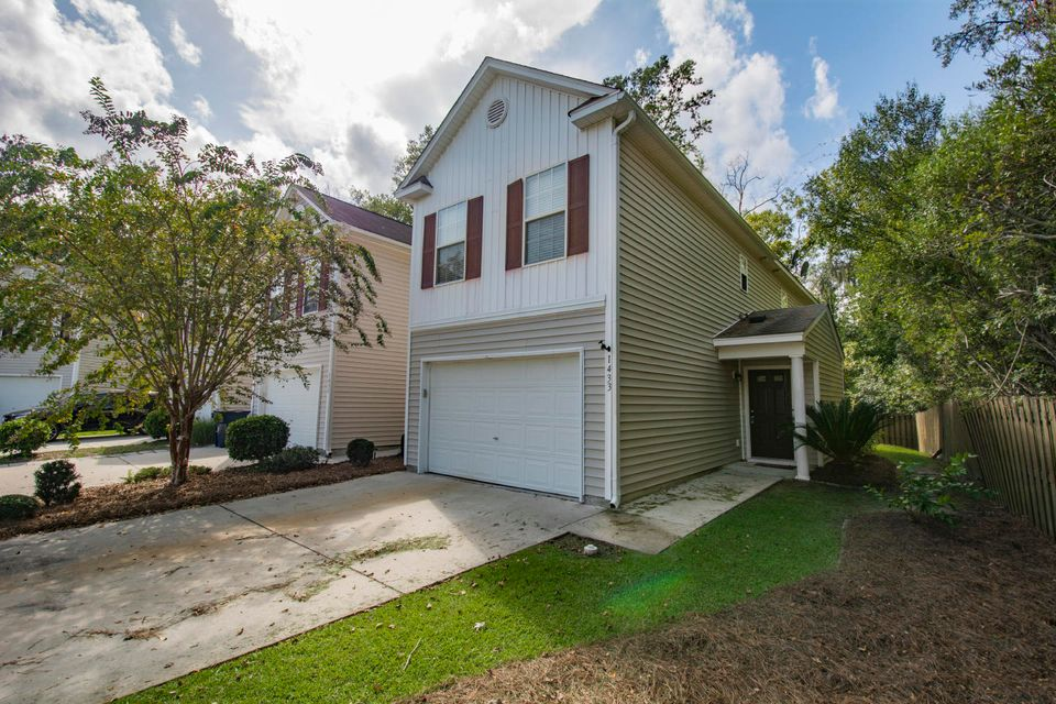 1433  Saratoga Court North Charleston, SC 29420