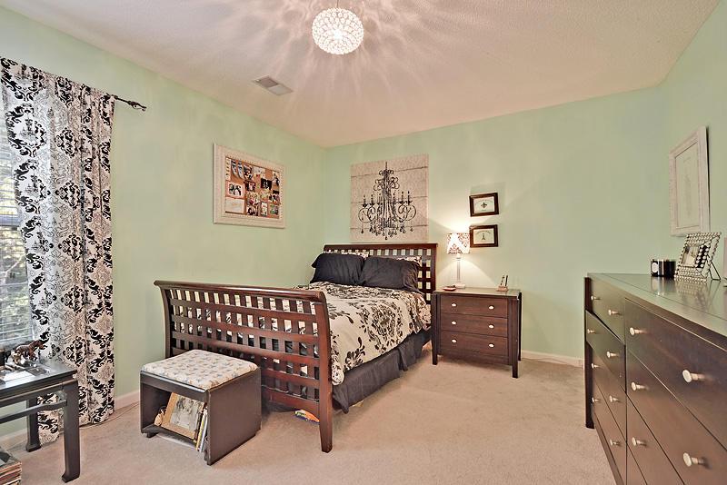 2374  Tulane Rd North Charleston, SC 29406