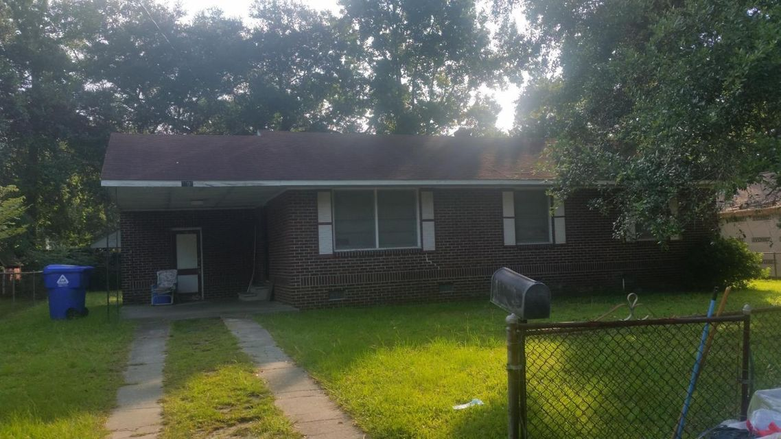 2708  Busch Avenue North Charleston, SC 29405