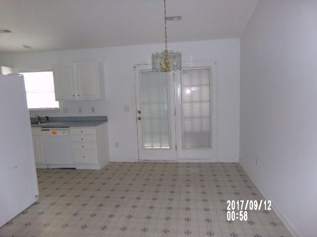 1056  Cobblestone Boulevard Summerville, SC 29483