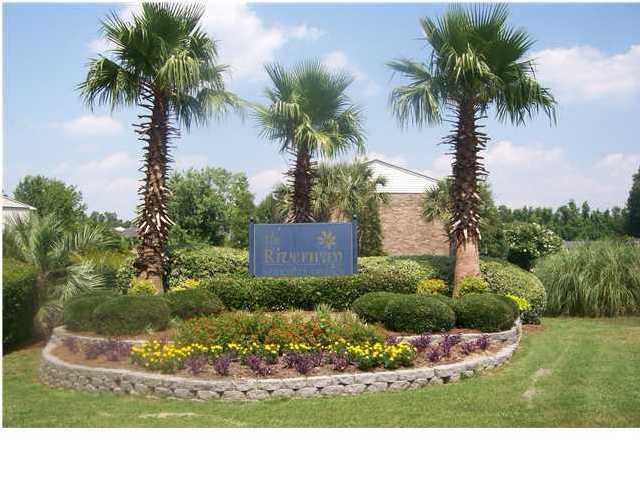 6239  Lucille Drive North Charleston, SC 29406