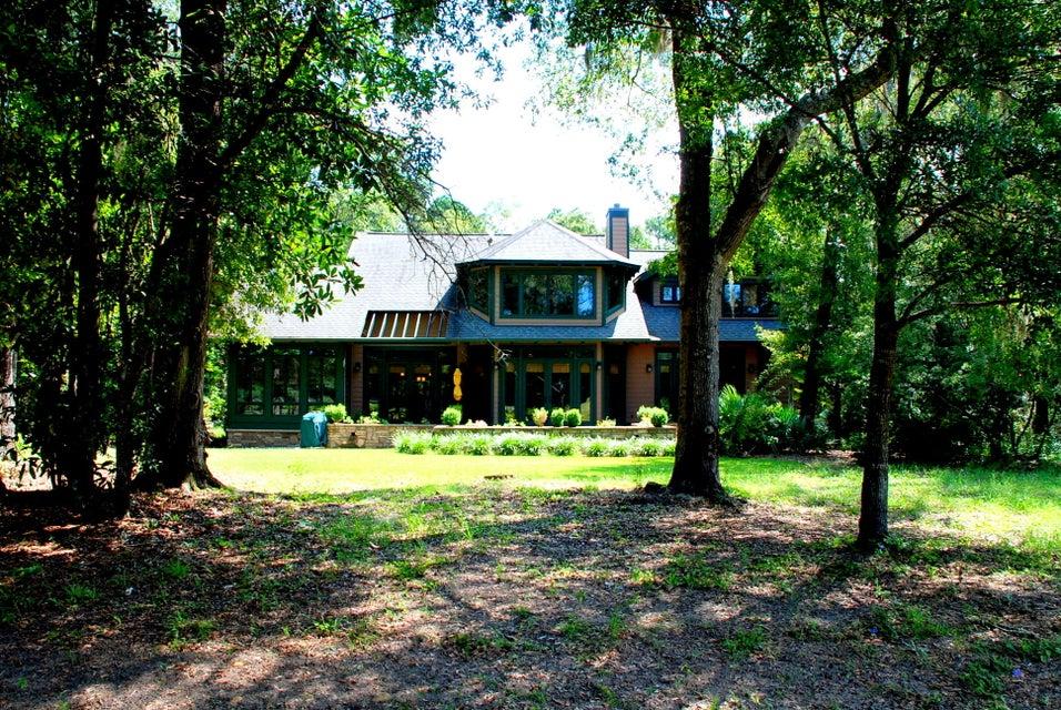 28  Middleton Oaks Road Charleston, SC 29414
