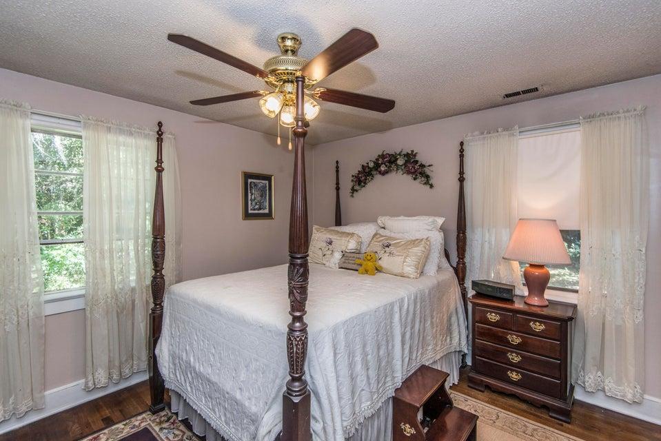 1737  Houghton Drive Charleston, SC 29412