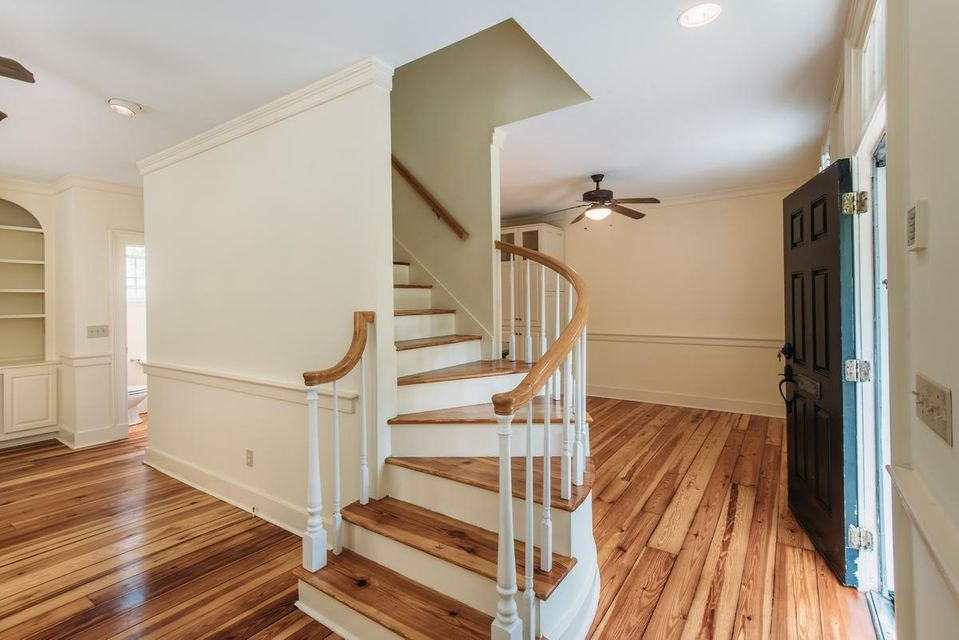 93  Beaufain Street Charleston, SC 29401