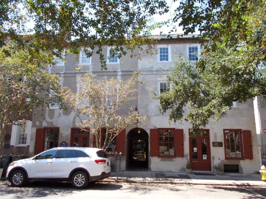 91  Church Charleston, SC 29401