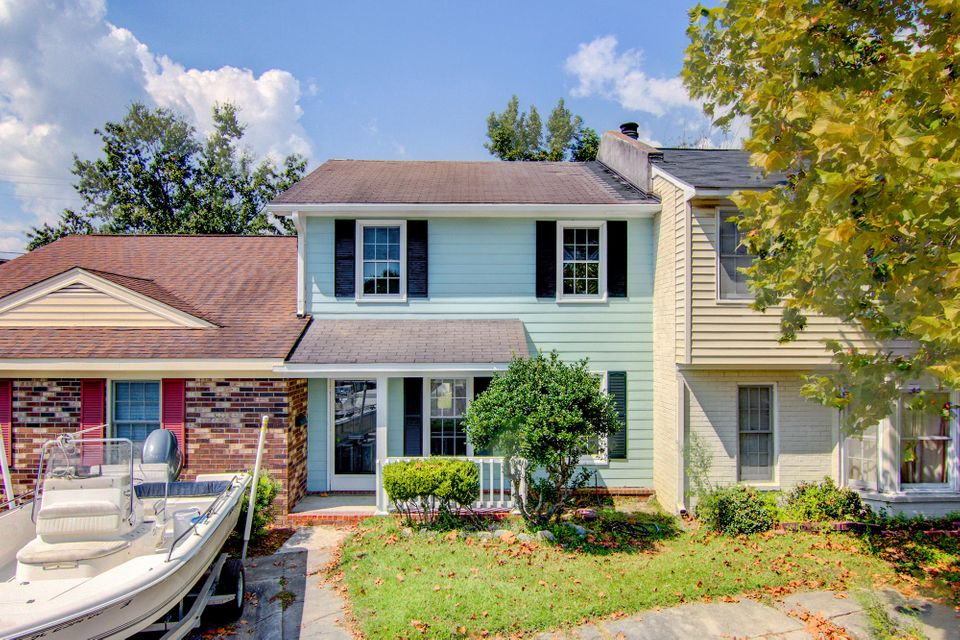 704  Hopewell Court Mount Pleasant, SC 29464