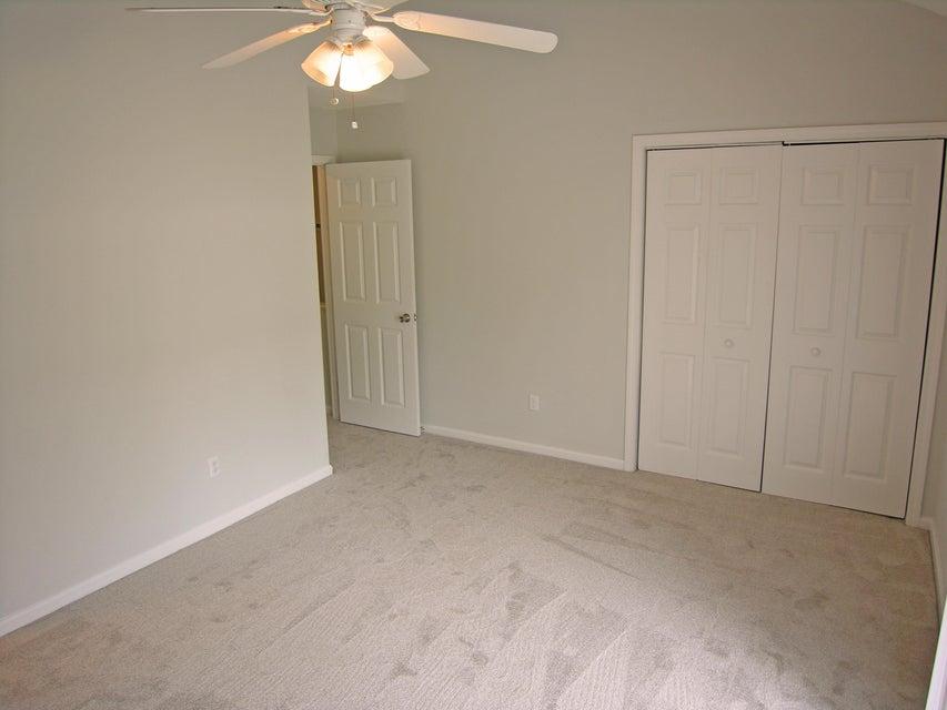 8056  Thelen Street North Charleston, SC 29406