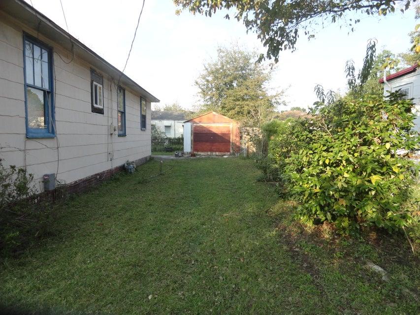 2635  Oregon Avenue North Charleston, SC 29405