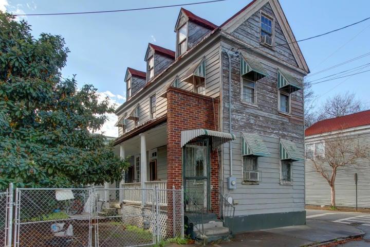 59  Ashe Street Charleston, SC 29403