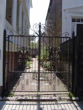 17  Wentworth Street Charleston, SC 29401