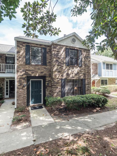 2937  Cathedral Lane Charleston, SC 29414