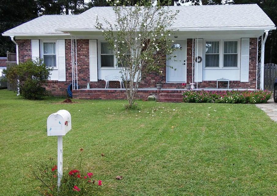 108 E Walnut Circle Summerville, SC 29485