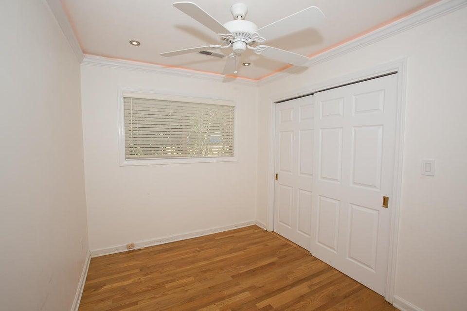 1127  Darwin Street Charleston, SC 29412