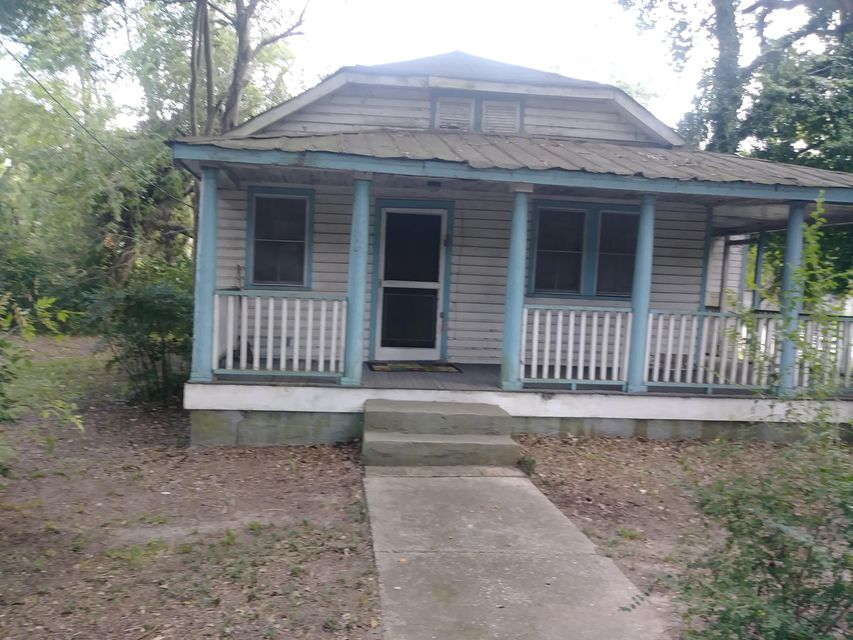 1142  Camp Road Charleston, SC 29412