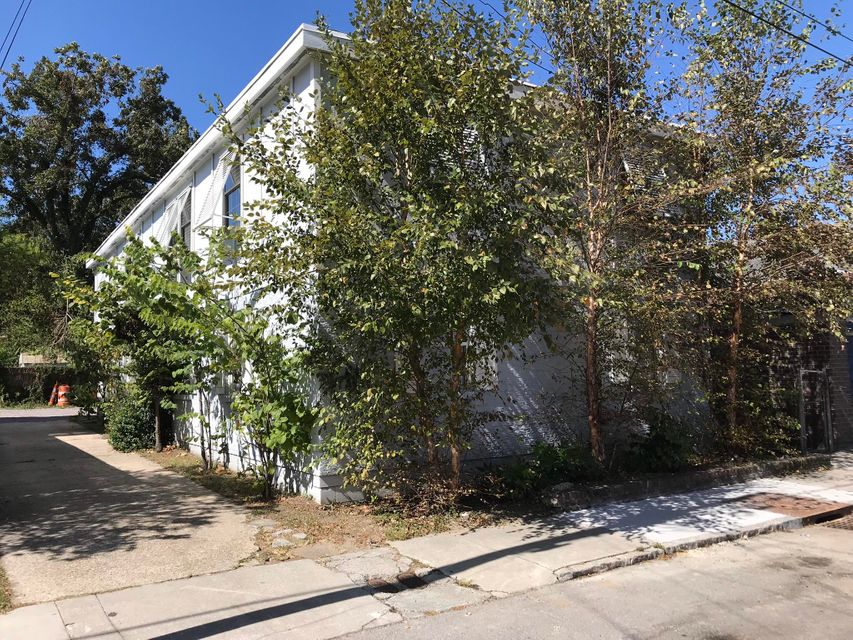 15  Norman Street Charleston, SC 29403