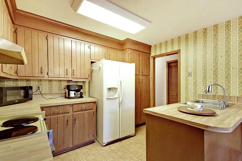 1531  Wakendaw Rd Mount Pleasant, SC 29464