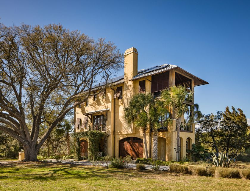 4  Old Summer House Road Charleston, SC 29412
