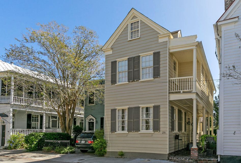 28  Savage Street Charleston, SC 29401