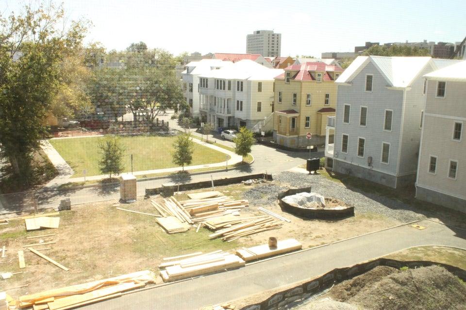 11  Dereef Court Charleston, SC 29403