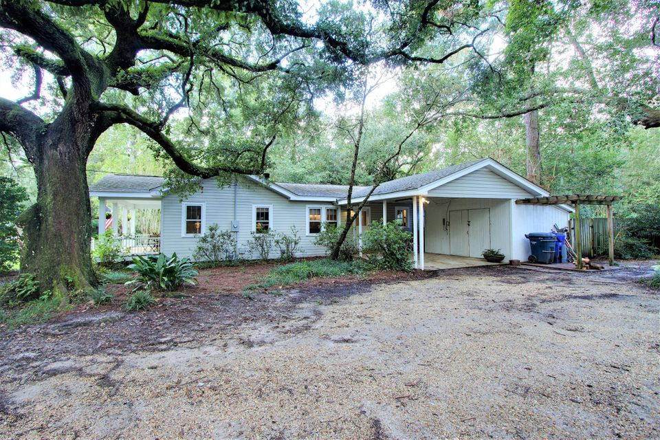 1668  Dogwood Road Charleston, SC 29414