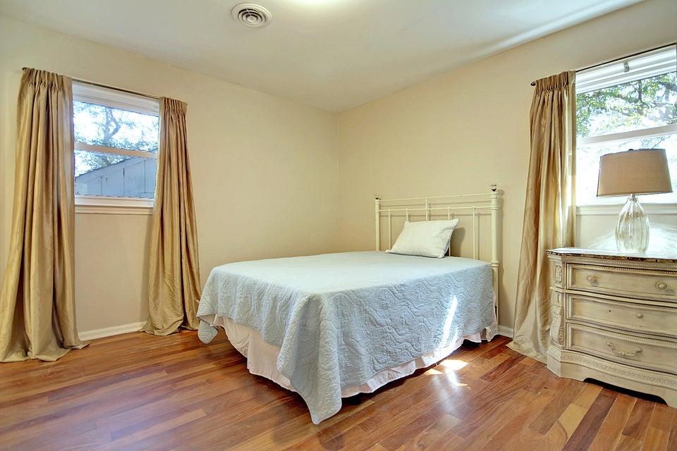 1431  Glencoe Drive Mount Pleasant, SC 29464