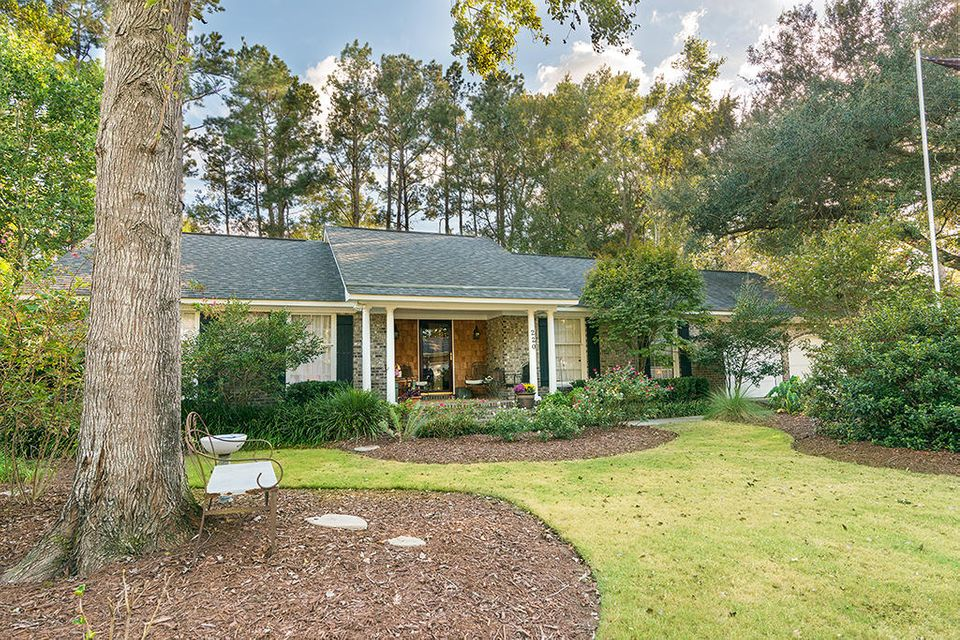 220  Brailsford Road Summerville, SC 29485
